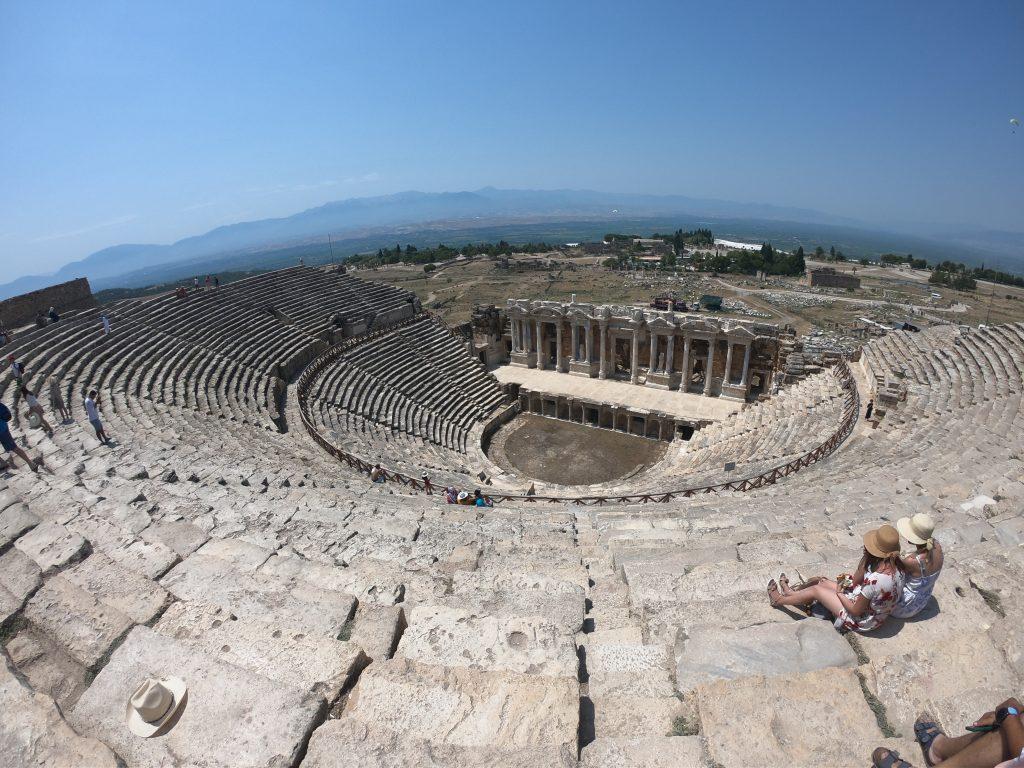 ヒエラポリス ローマ劇場